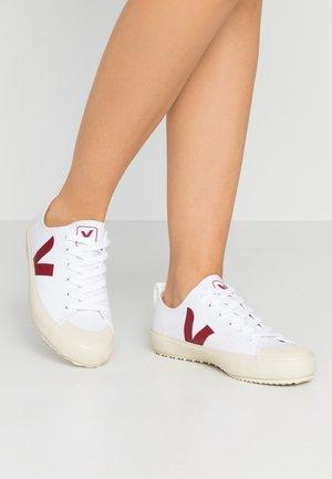 NOVA - Zapatillas - white/marsala