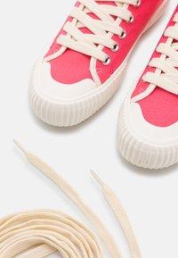 Paul Smith - WOMENS SHOE KIBBY BUBBLEGUM - Sneakers hoog - raspberry - 6