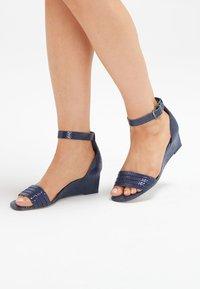 Next - Sandaletter med kilklack - blue - 0