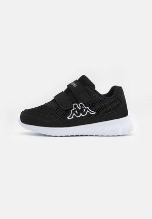 CRACKER II UNISEX - Sportovní boty - black/white