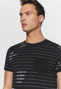 INDICODE JEANS - ECHOLS - T-shirt med print - black - 3