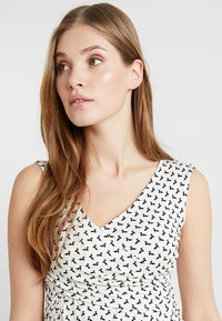Envie de Fraise - FIONA TANK NURSING - Top - off white/ black