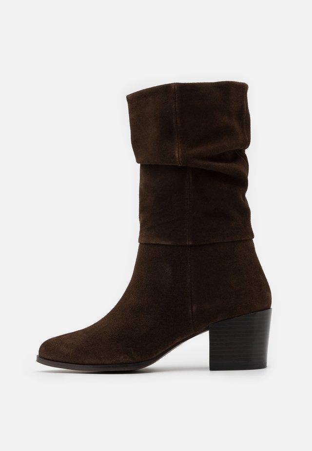 JANE - Boots - cognac