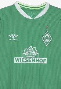 Umbro - WERDER BREMEN HOME - Print T-shirt - golf green/brilliant white - 3
