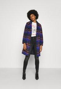 ONLY - ONLTAYLOR CHECK WOOL COAT OTW - Classic coat - sodalite blue/scarlet ibis - 0