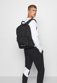 Champion - LEGACY BACKPACK - Batoh - black - 0