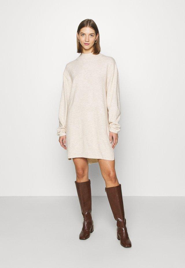 ACKIE UNIQUE - Stickad tröja - off white