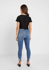 Topshop Petite - RIP HEM JAMIE - Jeans Skinny Fit - blue denim - 2