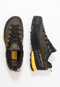 La Sportiva - TX5 LOW GTX - Hiking shoes - carbon/yellow - 1