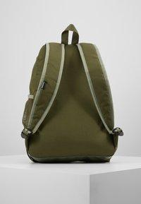 Converse - SPEED BACKPACK - Reppu - jade stone/field surplus/vivid - 2