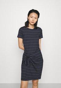 Club Monaco - TWANSIA DRESS - Jersey dress - stripe - 0