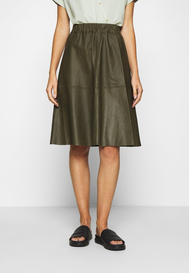 SKIRT - Falda acampanada - leaf green