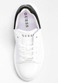 Guess - Sneakers basse - mehrfarbig, weiß - 1