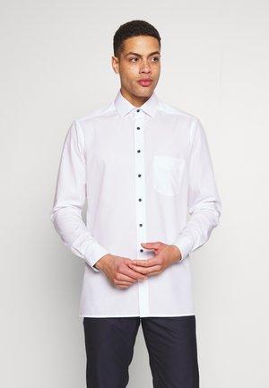 OLYMP LUXOR MODERN FIT - Camicia elegante - weiss