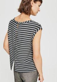 Opus - FAUNE - Print T-shirt - black white - 1