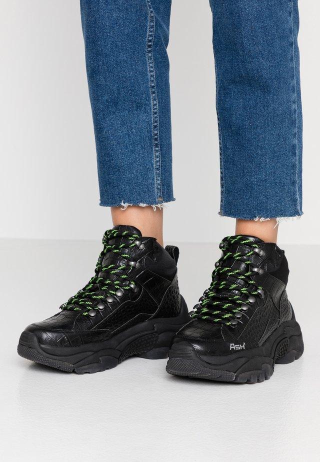 ALFA - Höga sneakers - black