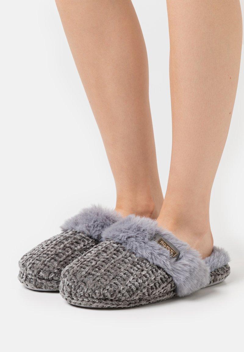 Mexx - Slippers - grey