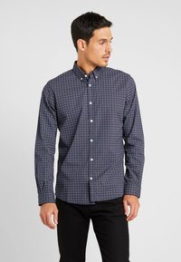 TOM TAILOR - RAY MINI PRINT REGULAR FIT - Skjorta - navy/red/blue - 0