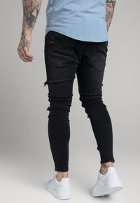 SIKSILK - DISTRESSED PATCH - Jeans Skinny Fit - washed black - 2