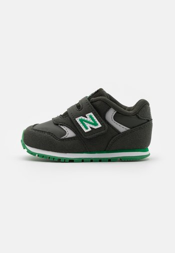 IV393CGN-M UNISEX - Trainers - green