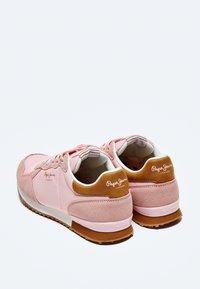 Pepe Jeans - ARCHIE BLOCK - Sneakersy niskie - rosa - 3