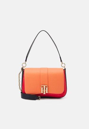 LOCK SATCHEL CROC MIX - Handbag - orange