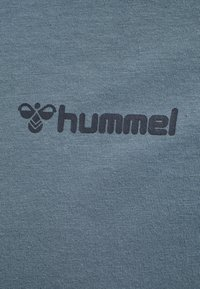 Hummel - HMLTORONTO  - Print T-shirt - china blue - 5