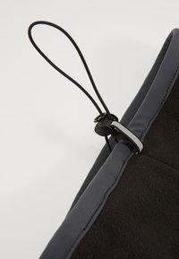 Nike Performance - REVERSIBLE NECK WARMER - Braga - black/anthracite/university gold - 6