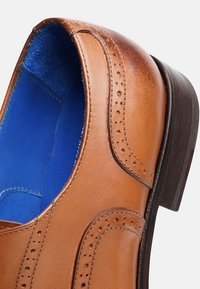 SHOEPASSION - NO. 5621 BL - Smart lace-ups - nut brown - 4