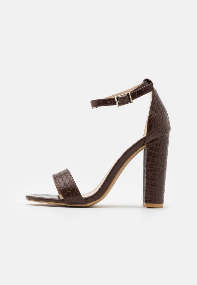 High heeled sandals - coffee