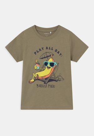 NMMJASPER - T-shirt print - silver sage