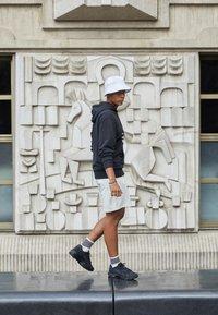 Nike Sportswear - AIR MAX 96 II - Sneakersy niskie - black - 0
