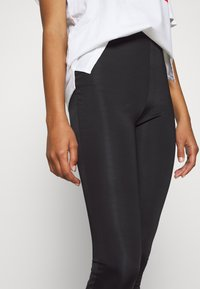 Even&Odd - Shiny Look Leggings - Leggings - Trousers - black - 4