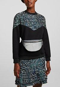 KARL LAGERFELD - Bum bag - silver - 0