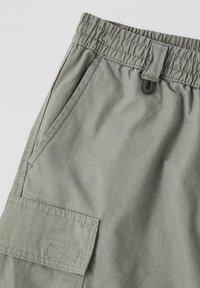 PULL&BEAR - Shorts - dark green - 2