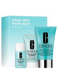 Clinique - BREAK UP WITH BEAKOUTS - Skincare set - - - 1