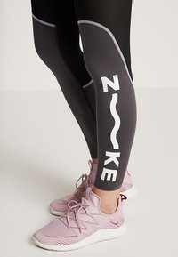 Nike Performance - ALL IN - Tights - black/thunder grey/white - 3