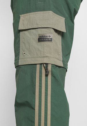 UTILITY TWO IN ONE ORIGINALS - Pantaloni cargo - green oxide/clay