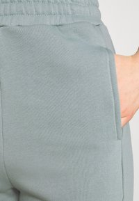 Even&Odd - Tracksuit bottoms - green - 4