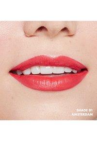 Nyx Professional Makeup - SOFT MATTE LIP CREAM - Liquid lipstick - 1 amsterdam - 3