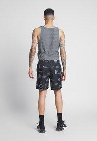 Vans - DISTORTION - Shorts - black distortion - 2