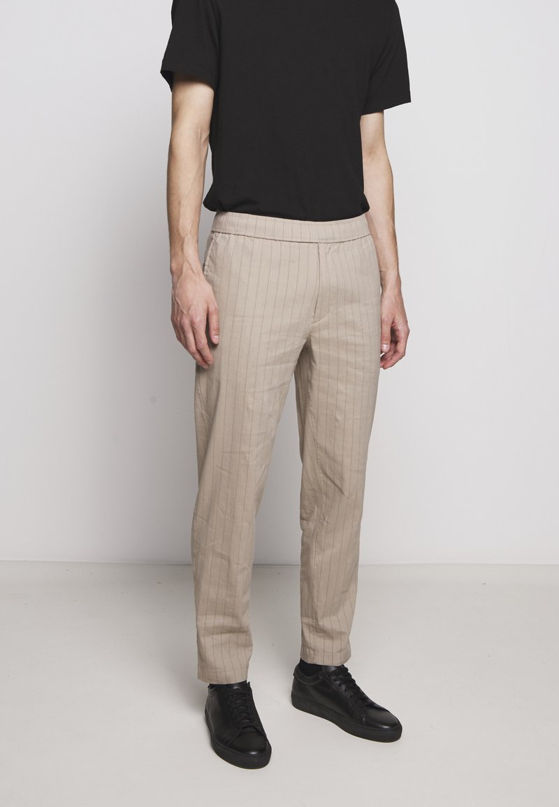 Theory - GRAHAM ALARO STRIPE - Pantalon classique - beige stone