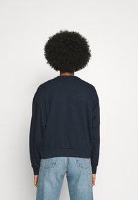 Weekday - HUGE CROPPED - Sweatshirt - navy - 2