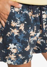Roxy - ANOTHER KISS - Sports shorts - mood indigo aqua ditsy - 4