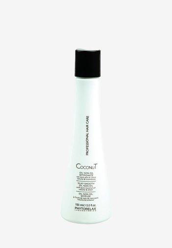 COCONUT SILKY SMOOTH OIL NON OIL  - Hair treatment - -