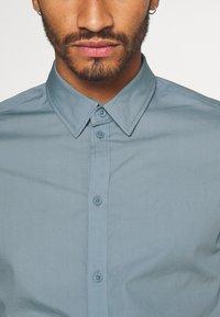 Pier One - Formální košile - stone blue - 5