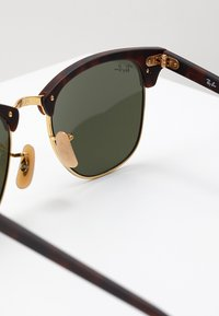 Ray-Ban - 0RB3016 CLUBMASTER - Solbriller - light green/brown - 2