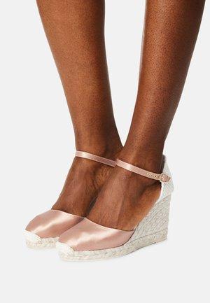 GLOBAL - Platform heels - salmon
