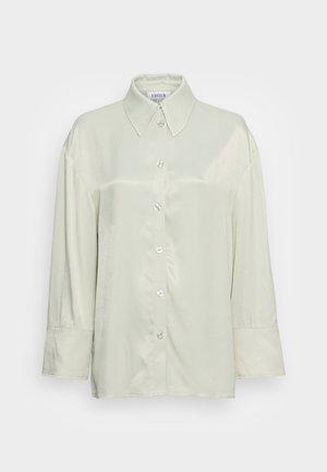 OAKLYN BLOUSE - Button-down blouse - desert sage green