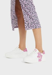 Bershka - Sneakers - white - 0